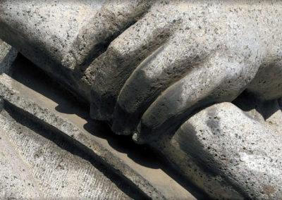 kamenny-prvek-socha