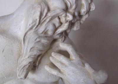 Opravená (restaurovaná) kamenná soška