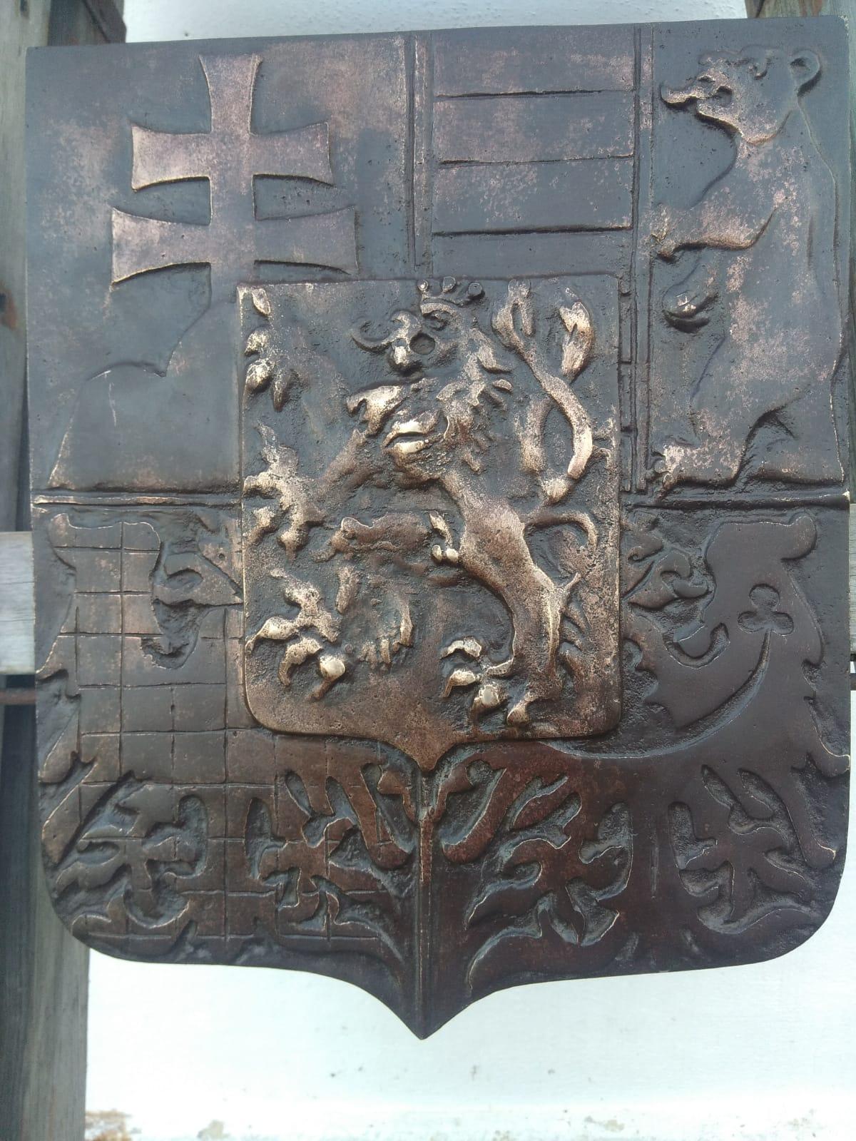 Bronzový prvorepublikový státní znak